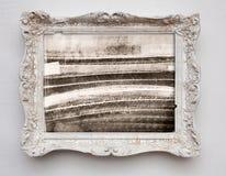 Abstrakcjonistycznej sztuki ekspresjonizmu kanwa w rocznika bielu antykwarskiej ramie Obrazy Stock