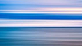 Abstrakcjonistycznej sztuki tło błękitny morze i chmurny wschód słońca zmierzchu niebo nad nim Ruch plamy niebo z, woda morska i  obrazy stock
