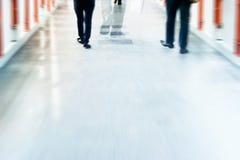 Abstrakcjonistyczni tło ulicznego spaceru w mieście, pastelu i plamie ludzie, Zdjęcie Stock