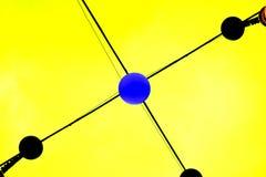 Abstrakcjonistyczny błękitny kropka związek na żółtym tle obrazy stock