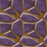 Abstrakcjonistyczny bezszwowy reliefowy podłoga wzór fiołkowi poligonalni ostrze kamienie z siatką Zdjęcie Royalty Free