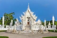 Abstrakcjonistyczny biały świątynny wata rong khun w Chiang rai prowinci fotografia stock