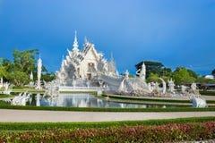 Abstrakcjonistyczny biały świątynny wata rong khun w Chiang rai prowinci obraz royalty free