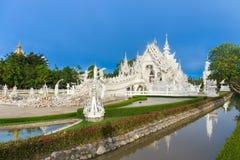 Abstrakcjonistyczny biały świątynny wata rong khun w Chiang rai prowinci obraz stock