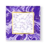 Abstrakcjonistyczny biały i purpurowy marmurowy tekstury kartka z pozdrowieniami z złoto kwadrata ramą, umieszcza twój tekst Szab royalty ilustracja