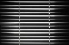 Abstrakcjonistyczny czarny i biały żaluzja czerep zdjęcia stock