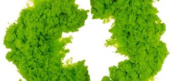 Abstrakcjonistyczny farby tła kolor zielony atramentu pluśnięcie w wodzie odizolowywającej na białym tle Fotografia Royalty Free