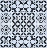 Abstrakcjonistyczny geometryczny kwiecisty deseniowy bezszwowy na ośniedziałym stalowym talerzu Fotografia Royalty Free