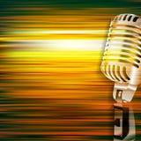 Abstrakcjonistyczny grunge tło z retro mikrofonem Zdjęcia Royalty Free