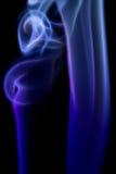 Abstrakcjonistyczny Kolorowy cyfrowy dym na czarnym tle Artystycznym Obrazy Stock