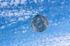 Abstrakcjonistyczny kolorowy niebo z dekoracyjną piłką dla tła fotografia stock