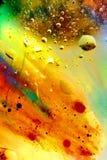 Abstrakcjonistyczny kolorowy tło olej w wody powierzchni pianie mydło z bąbla strzału makro- zakończeniem zdjęcie stock