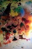 Abstrakcjonistyczny kolorowy tło olej w wody powierzchni pianie mydło z bąbla strzału makro- zakończeniem zdjęcia stock
