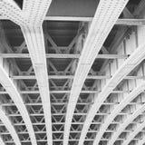 abstrakcjonistyczny metal w e London poręcza nglan tle i stali obrazy stock