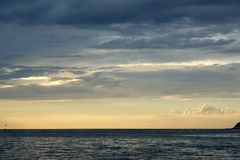 Abstrakcjonistyczny oceanu i zmierzchu tło Zdjęcia Royalty Free