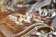 Abstrakcjonistyczny plamy biżuterii diamentu sklep z pierścionkami i koliami Obrazy Stock