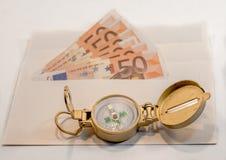 Abstrakcjonistyczny skład - pieniądze w kopercie dla podróży Zdjęcie Royalty Free