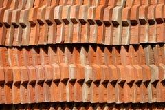 Abstrakcjonistyczny tło, rząd dachowa płytka z wzorem zdjęcia stock