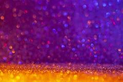 Abstrakcjonistyczny tło wypełniający z błyszczącym złotem i purpury połyskujemy zdjęcia stock