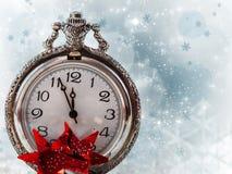 Abstrakcjonistyczny wakacyjny tło z zegarem blisko do północy Zdjęcia Royalty Free