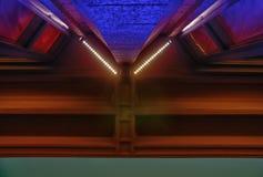 Abstrakcjonistyczny wizerunek budynku szczegół przy nocą geometria miejskiej Fotografia Stock