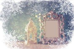 Abstrakcjonistyczny wizerunek rocznik antykwarska klasyczna rama i stary lampion Zdjęcie Royalty Free