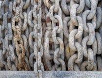 Abstrakcjonistyczny zbliżenie Gęści metali łańcuchy Fotografia Stock