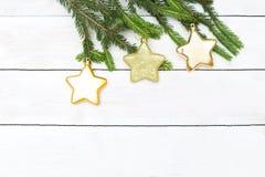 abstrakcjonistycznych gwiazdkę tła dekoracji projektu ciemnej czerwieni wzoru star white Choinek zabawki na gałęziastym obwieszen fotografia stock