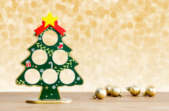 abstrakcjonistycznych gwiazdkę tła dekoracji projektu ciemnej czerwieni wzoru star white Choinka i złote piłki Zdjęcie Stock