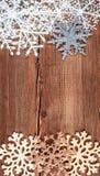 abstrakcjonistycznych gwiazdkę tła dekoracji projektu ciemnej czerwieni wzoru star white Płatek śniegu granica na grunge drewnian Fotografia Stock