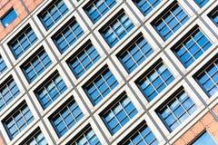 Abstrakt arkitektur av en modern byggnad Arkivbild