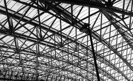 Abstrakt arkitekturdel av taket för stålstruktur Arkivbilder