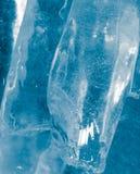 Abstrakt bakgrund av blå is Royaltyfri Foto