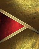 Abstrakt bakgrund av bladguldet med ett rött utklipp Beståndsdel för design Mall för design kopieringsutrymme för annonsbroschyr  Arkivfoto