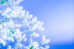 Abstrakt bakgrund av lila blommor Royaltyfria Foton