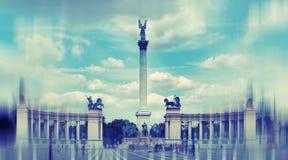abstrakt bakgrund Hjältar kvadrerar i Budapest, Ungern - radi Royaltyfria Bilder