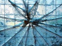 Abstrakt bakgrund med brutet exponeringsglas Royaltyfri Bild