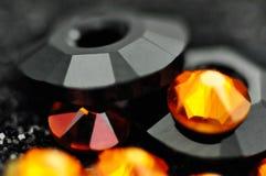 Abstrakt bakgrund med exponeringsglas och kristaller planlägger royaltyfri foto