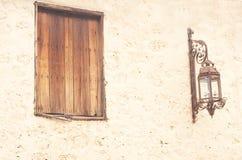 Abstrakt bakgrund med fönster- och gatalampan Fotografering för Bildbyråer