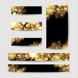 Abstrakt bakgrund med guld mousserar Skinande defocused guld- bokeh tänder på svart bakgrund Royaltyfria Bilder