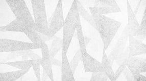 Abstrakt bakgrund med modern design, ojämna vita stycken för grå färger och av trianglar och vinklar i slumpmässig artsy modell royaltyfri illustrationer