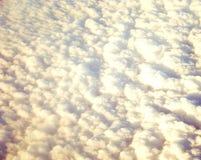 Abstrakt bakgrund - skuggor i moln Arkivbilder