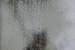 abstrakt bakgrund tappar glass vatten Royaltyfri Foto