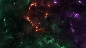 Abstrakt bakgrund, utrymme och att flyga till och med nebulosor och stjärnor, dynamiskt som är mångfärgade stock video