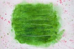 Abstrakt bakgrundsmålning, handen som dras i moderiktiga gröna skuggor, färgar med skrapor Textur av vattenfärgpapper in Royaltyfria Foton