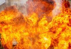 Abstrakt begrepp av brandflamman som exploderar Royaltyfri Bild