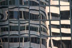 Abstrakt begrepp av en modern Glass byggnad Arkivfoto