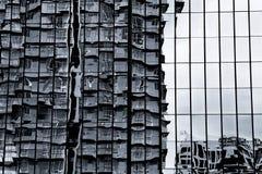 Abstrakt begrepp av glass reflexionsbyggnad Fotografering för Bildbyråer