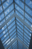 Abstrakt begrepp av linjer av ett tak av fönster Arkivbilder