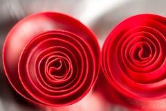 Abstrakt begrepp bakgrundsbild av rött papper röra sig i spiral på pappers- bakgrund Fotografering för Bildbyråer